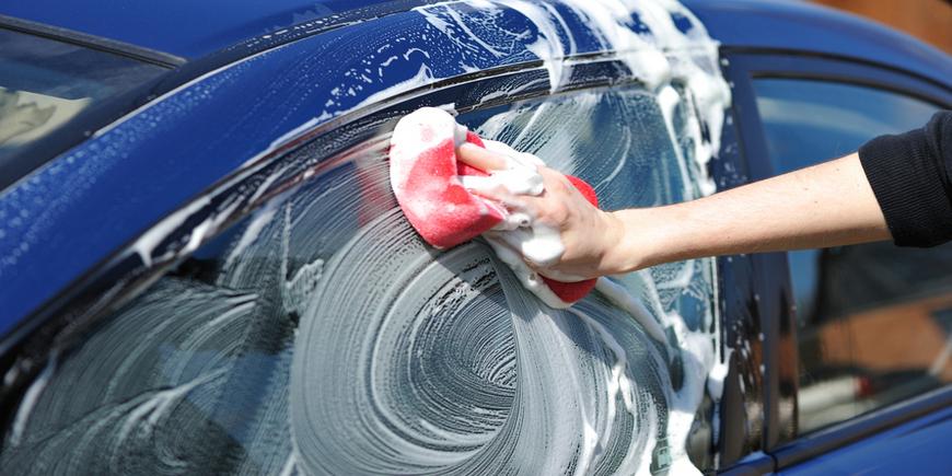 Где можно и где нельзя мыть автомобиль по закону ПДДюрист